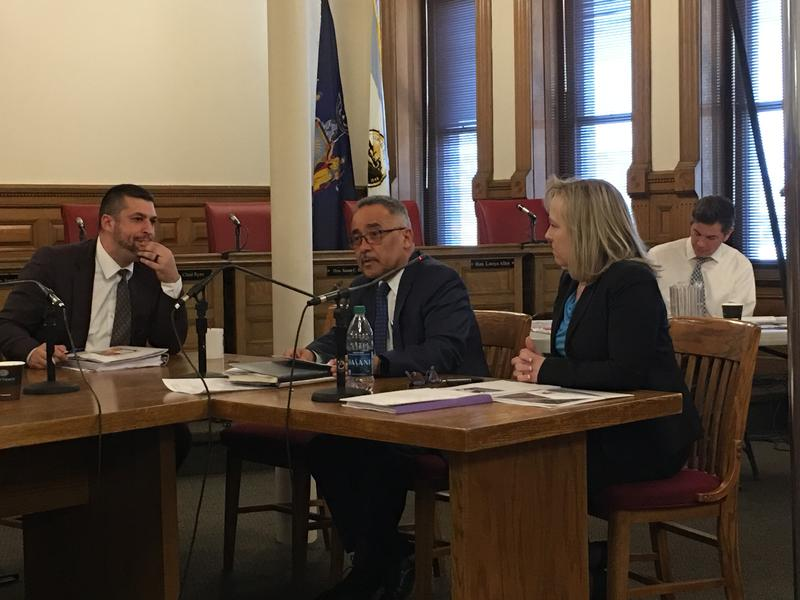 Syracuse Superintendent Jaime Alicea at a budget hearing for the school district.