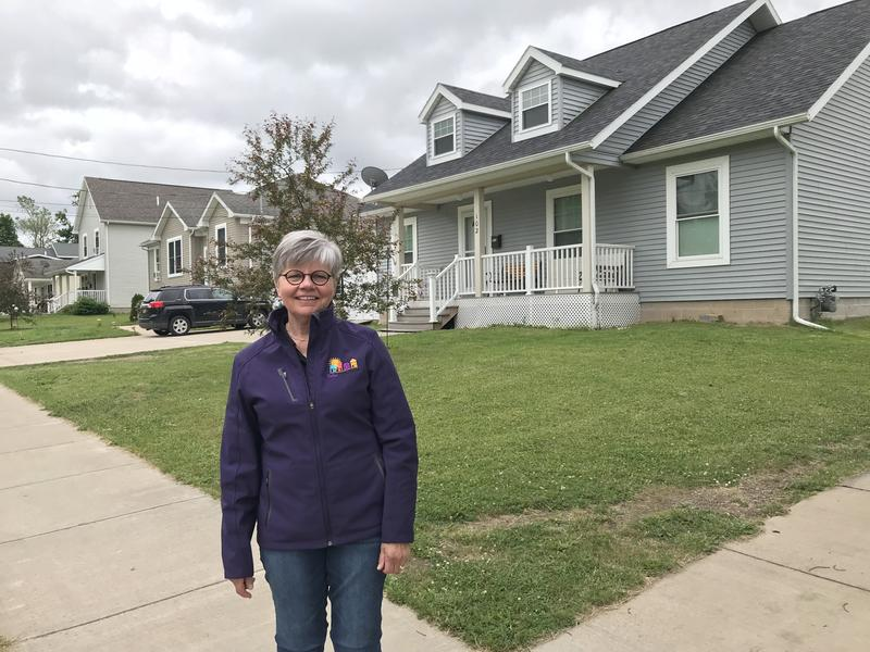 Fulton resident Linda Egan founded the Fulton Block Builders, an organization that is galvanizing the city's residents to improve their neighborhoods with exterior house work.