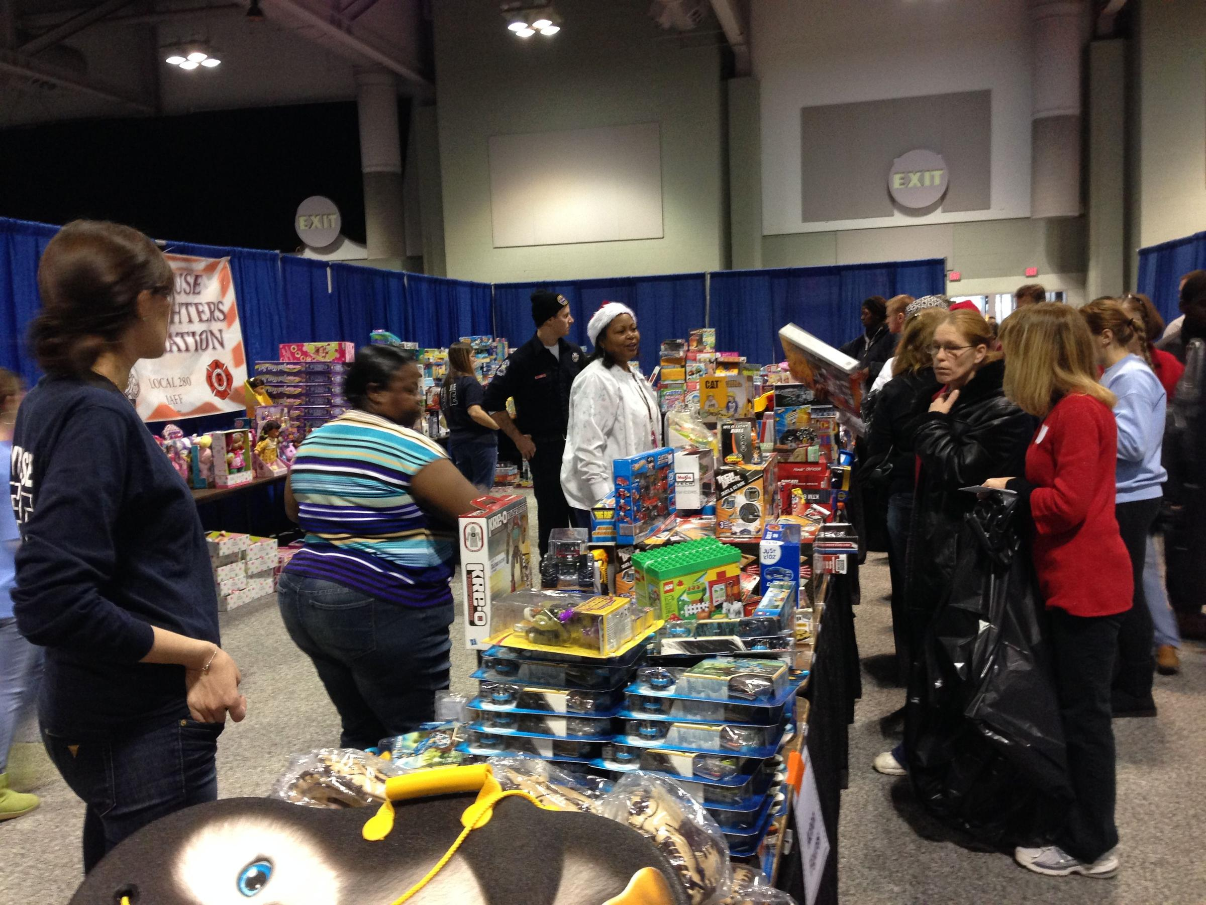 Annual \'Christmas Bureau\' helps low-income families | WRVO Public Media