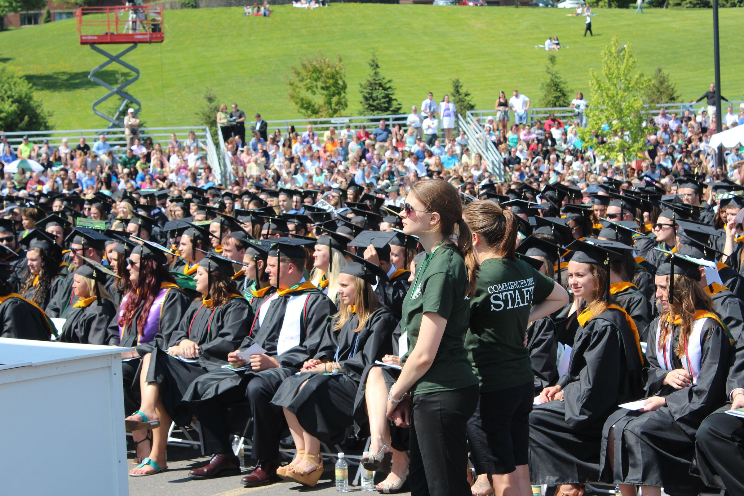 Le Moyne commencement goes smoothly despite controversy over speaker ...
