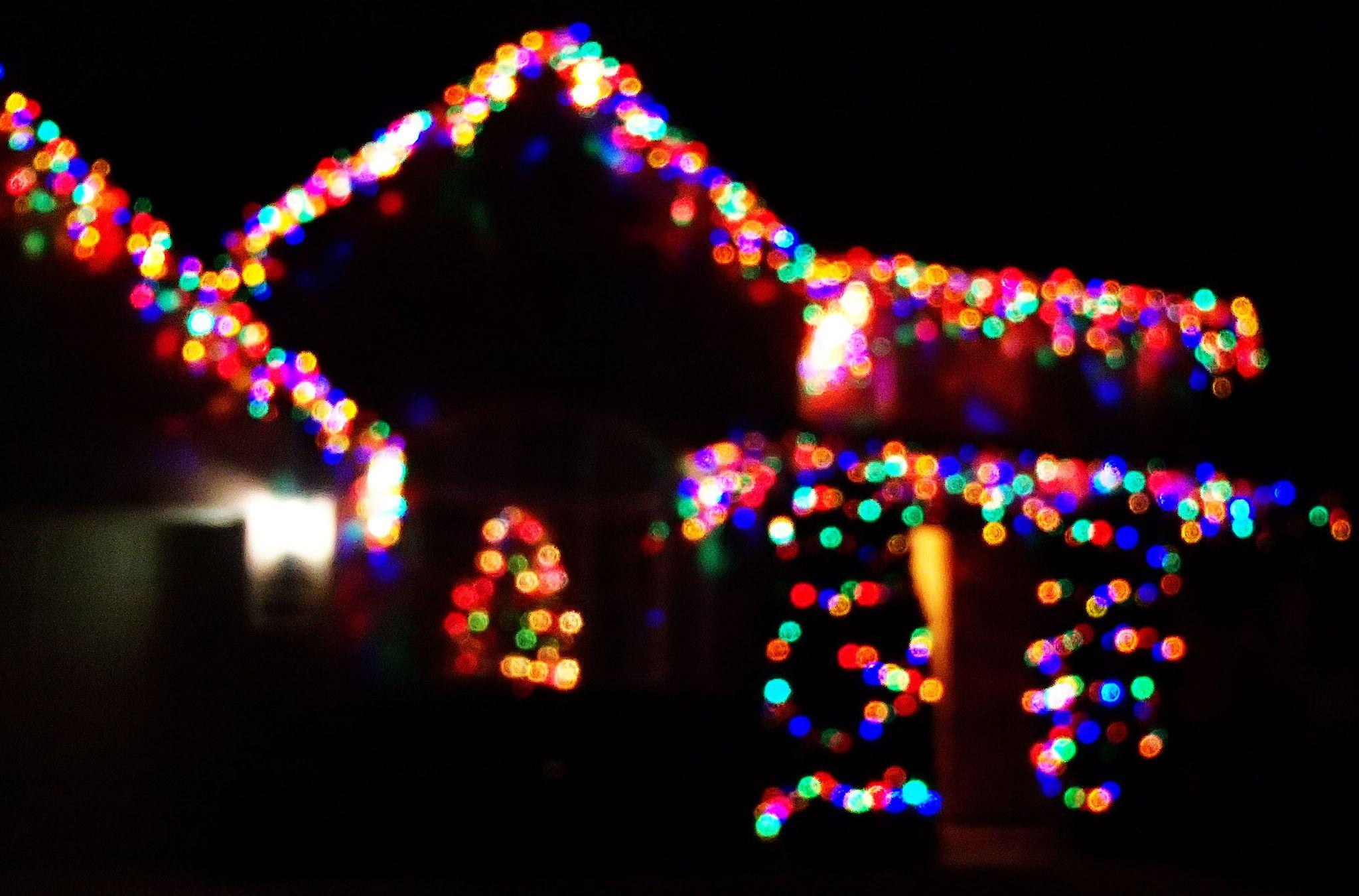 holiday lights add up on new york electricity grid