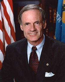 Senator Tom Carper (D-De)