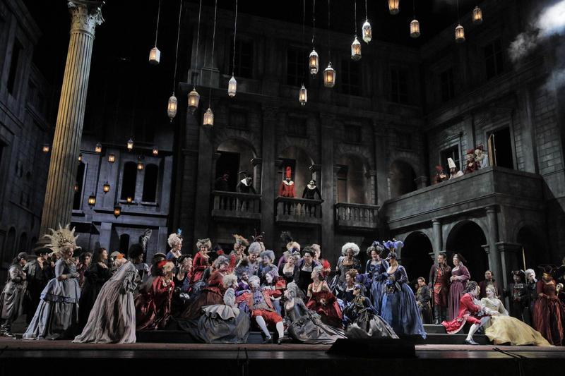 A scene from Gounod's Roméo et Juliette. Photo by Ken Howard/Metropolitan Opera.