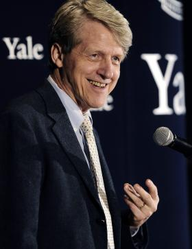 Economist, author and Yale University professor Robert Shiller speaks at at a news conference, Monday, Oct. 14, 2013, in New Haven, Conn.