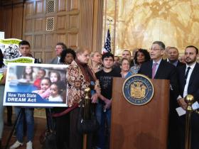 """NY Assembly Speaker Sheldon Silver promoting the """"Dream Act."""""""