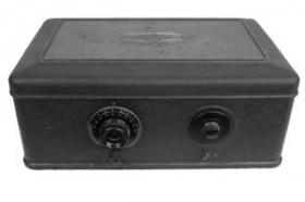 "1929 Atwater Kent model 46 ""breadbox"""