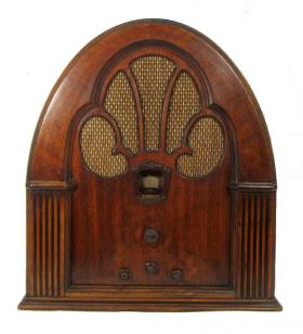 1931 Philco Model 70 in a cathedral cabinet