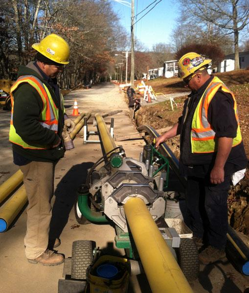 Crew installing gas lines in Norwich, Conn.