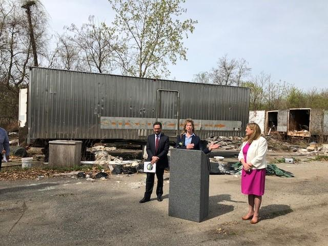 DEEP Commissioner Rob Klee and EPA Regional Administrator Alexandra Dunn listen to Stratford Mayor Laura Hoydic announce the next stage in the clean-up of the contaminated former Raymark automotive facility in Stratford.