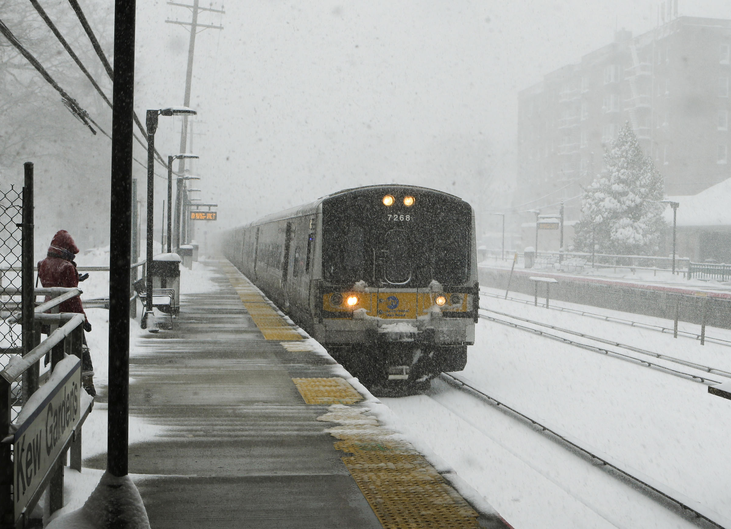 Are Long Island Buses Running On Sunday