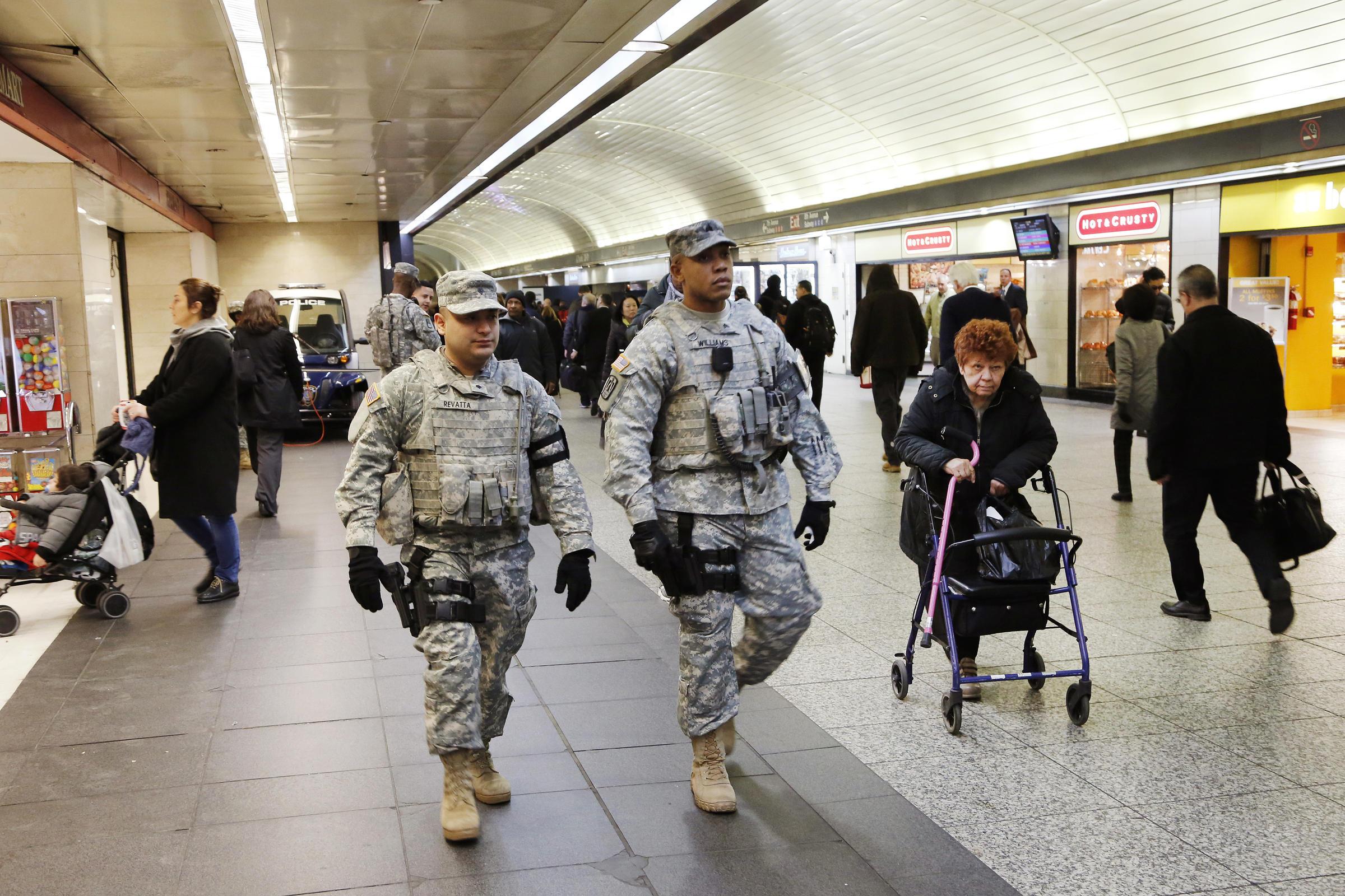 Cuomo Sending National Guard To Ny Airports Wshu