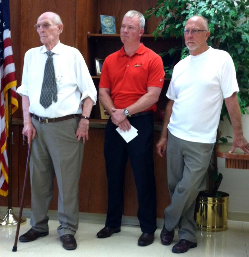 Marion Mayor Bob Butler, St Rep. Brandon Phelps (D-118) and St. Sen. Gary Forby (D-59) urge IDNR and Governor to move forward on fracing regulations