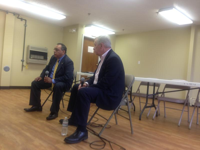 Senator Dick Durbin holds meeting with public housing residents.