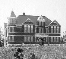 photo of Harrisburg High School taken in early 1900's