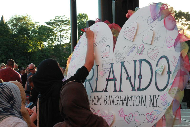 Binghamtonians gathered Tuesday night at Peacemaker's Stage for candlelight vigil in honor of the Orlando massacre victims. The event was put on by the Binghamton Pride Coalition and the City of Binghamton.