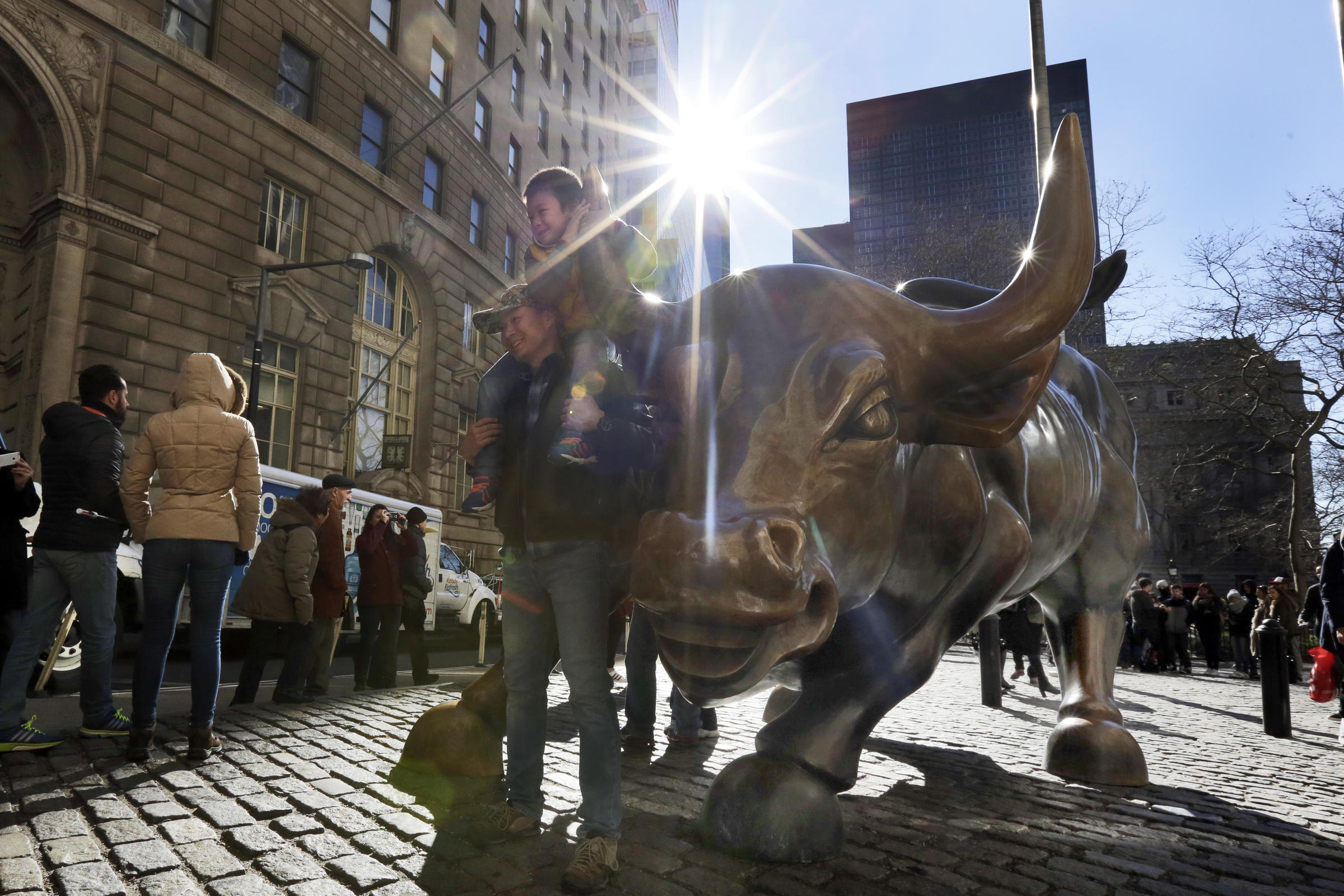 Wall Street projected to see profit increases over 2016: Comptroller