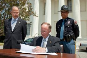 Governor Bentley has signed an executive order that aims to improve the coordination between state law enforcement agencies.