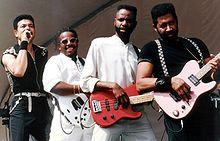 The Commodores are headlining Mobile's Moon Pie Drop on New Year's Eve.