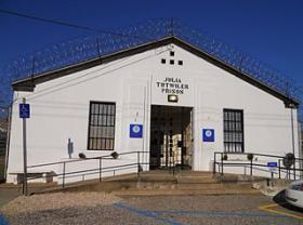 A new report from the Justice Department is criticizing the way female inmates are treated at Alabama's lone prison for women.