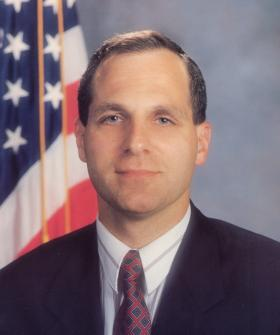 Ex-FBI director Louis Freeh has been chosen to review BP settlement program.