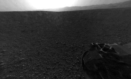 NASA's Curiosity rover sends back a shot of the horizon of the planet Mars.