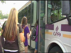 The University of North Alabama is using a smartphone app and shuttle buses to address a shortage of parking spaces.