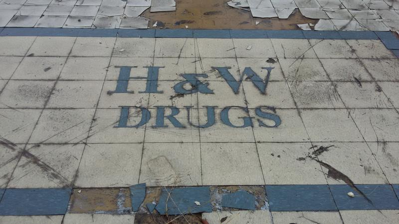 H&W entrance at the lot where the pharmacy once stood