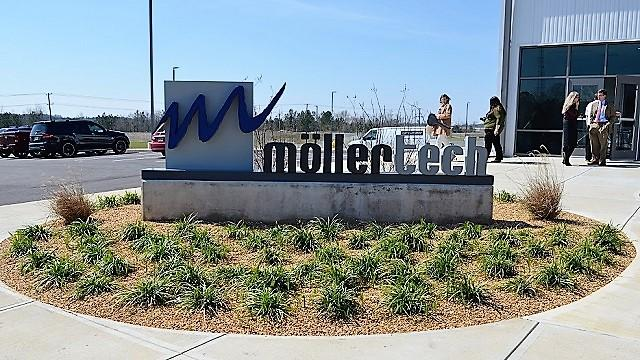 MöllerTech Sign