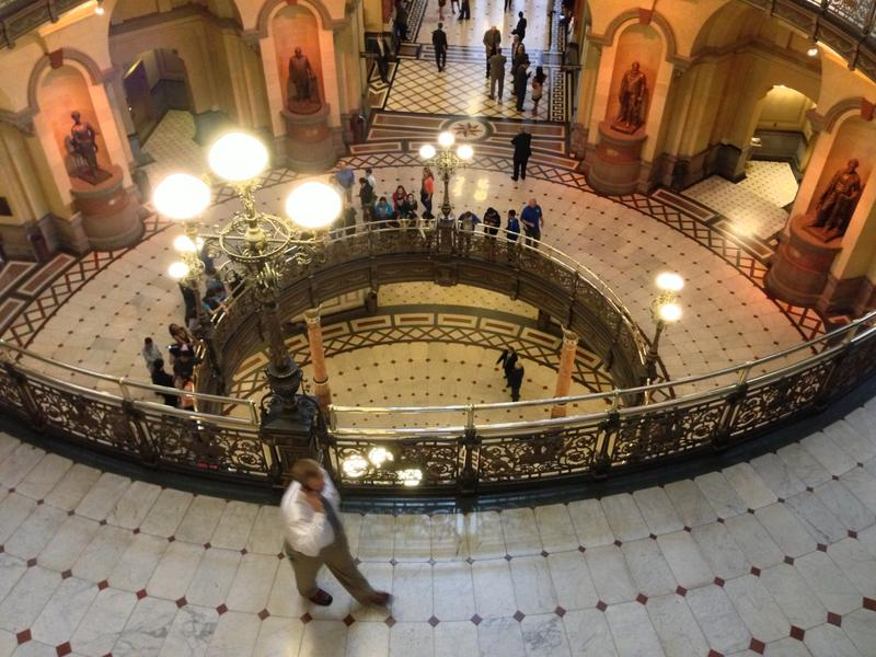 A mix of tourists and lobbyists milled about the rotunda of the Illinois Statehouse on Tuesday.