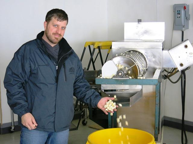 Kemper Wilcutt's commercial popping machine can churn out 90 pounds of raw kernels per hour.