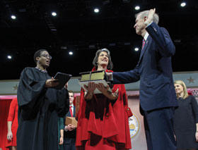 Rauner takes oath