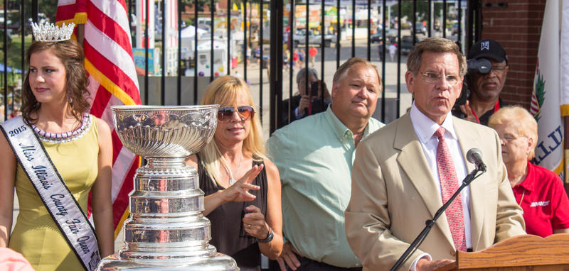 Rocky Wirtz and the Stanley Cup at the Illinois State Fair
