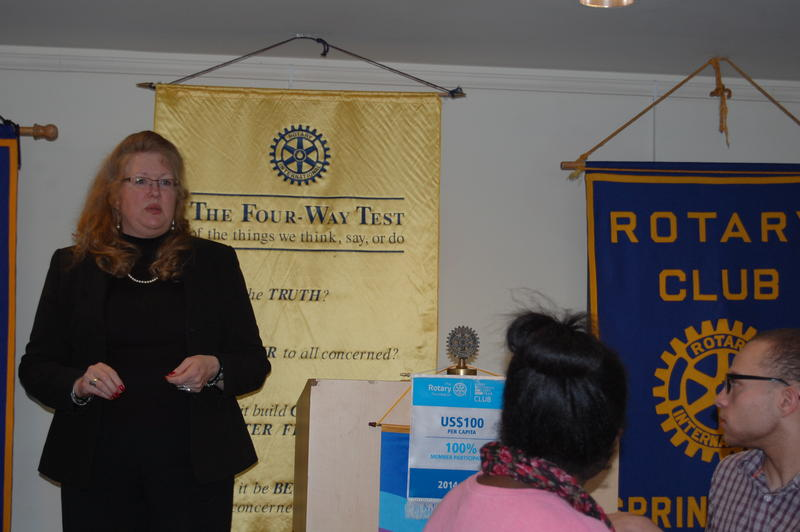 NPR Illinois' Rachel Lattimore Addressing The Rotary Club Of Springfield Sunrise