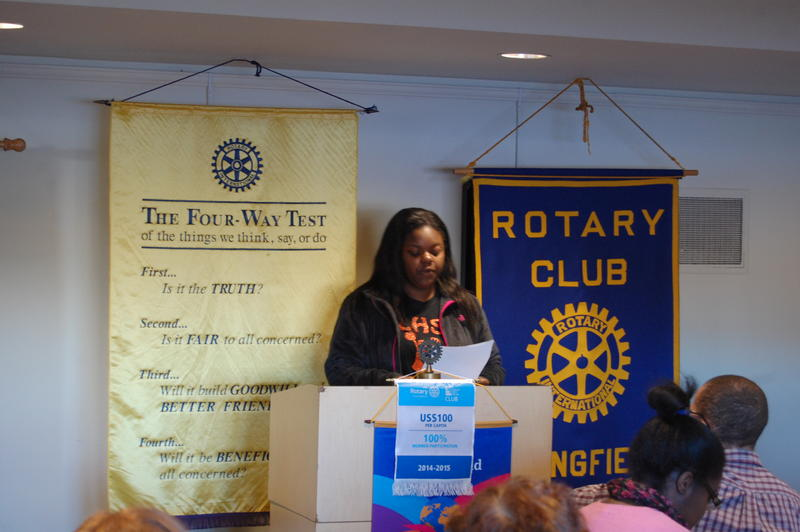 "Lanphier High School Senior Kanicia Green Reads Her Essay ""Selfies"" In Front Of The Rotary Club Of Springfield Sunrise"