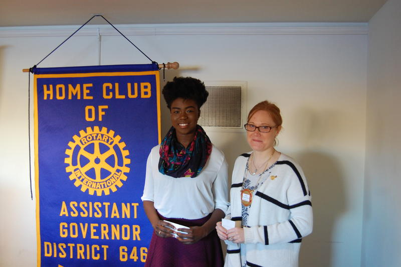 Springfield High School Senior Ejehi Erewele Recieves Her Scholarship From The Rotary Club Of Springfield Sunrise