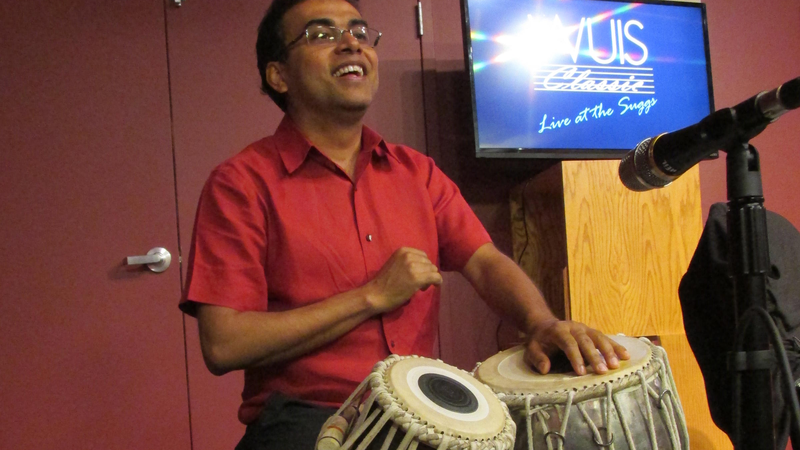 Sandeep Das playing tabla