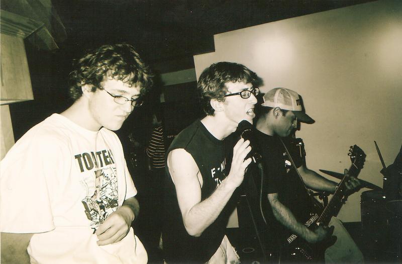 Resident Genius plays at Andiamo ca. 2004
