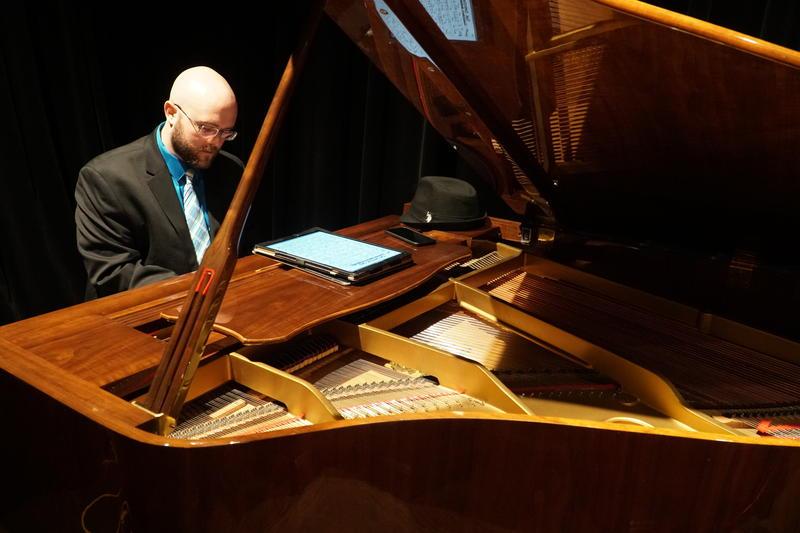 piano atmoshphere