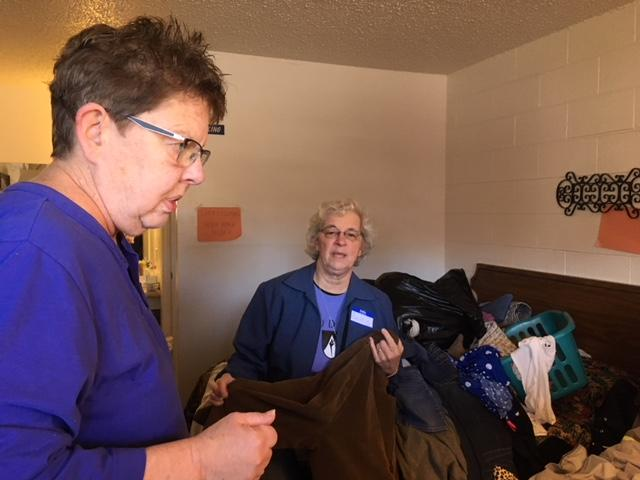 A group of  Springfield Dominican Sisters traveled to El Paso, Texas to volunteer at a Catholic shelter for asylum seekers.