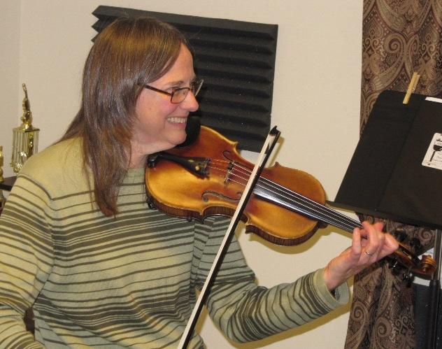 Fiddler Karen Jones - click for more photos