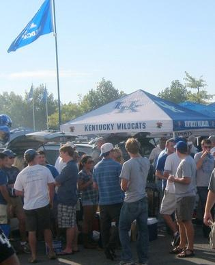Tailgating at the University of Kentucky - photo by flickr user kwatson0013