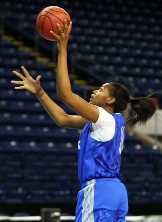 Kentucky's DeNesha Stallworth practices at Webster Bank Arena - photo by UK Athletics