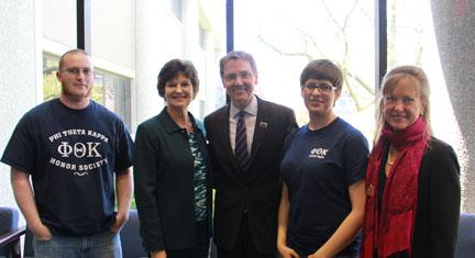 (l-r) BCTC student Mark Simonds, BCTC President/CEO Augusta A. Julian, Lexington Mayor Jim Gray, BCTC student Ebony Nava