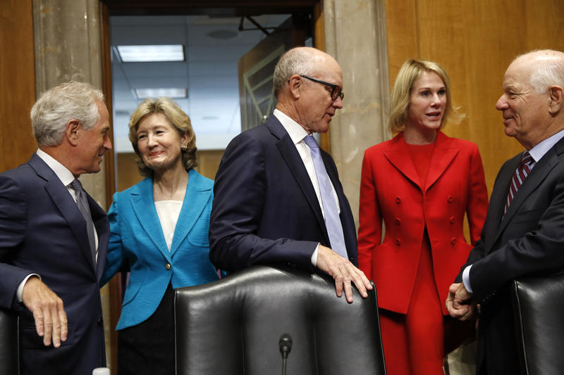 From left, Sen. Bob Corker, R-Tenn., former Sen. Kay Bailey Hutchison, Woody Johnson, owner of the New York Jets, Kelly Knight Craft, and Sen. Ben Cardin.