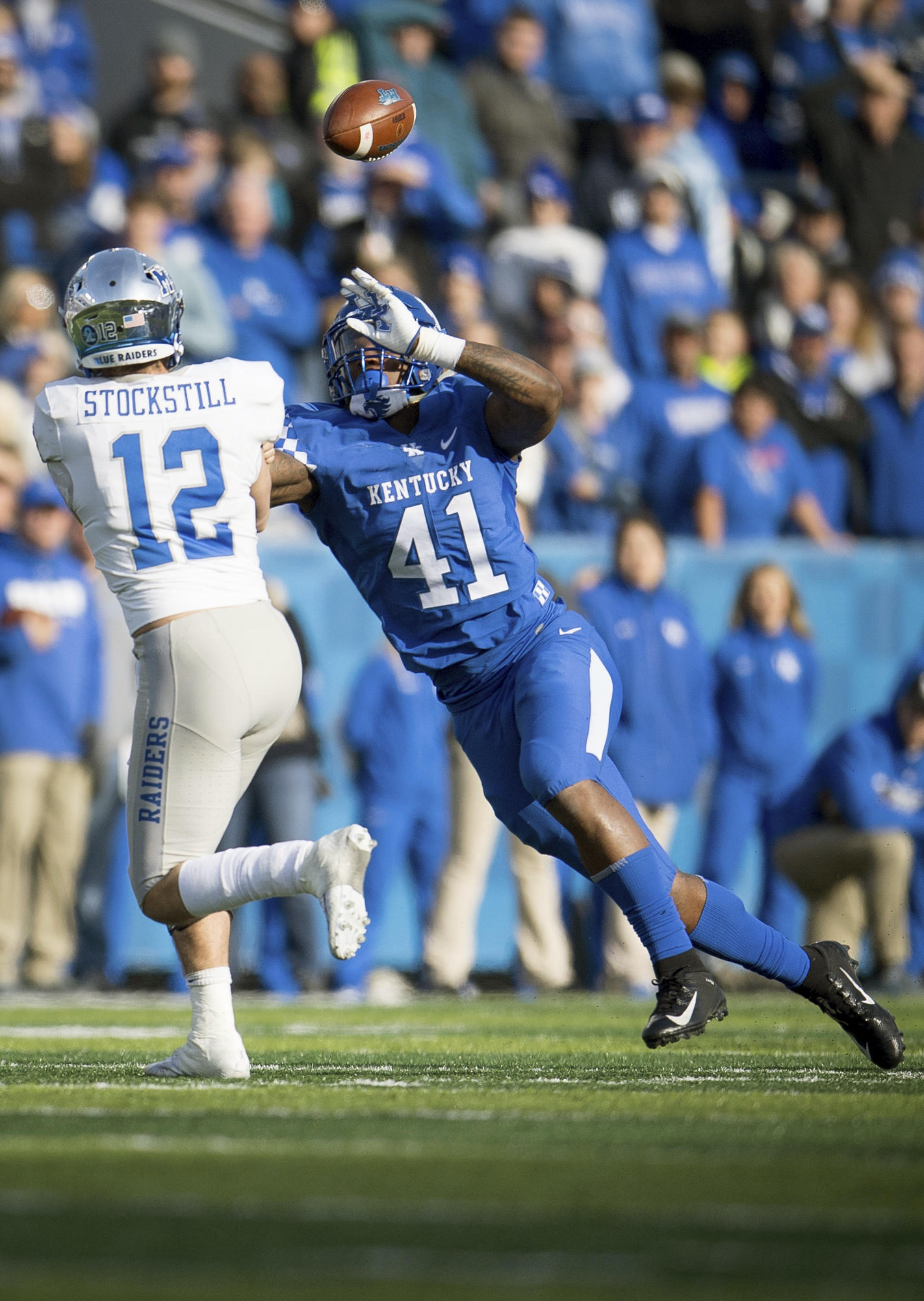 Defense Helps Kentucky Outlast Middle Tennessee 34-23 | WUKY