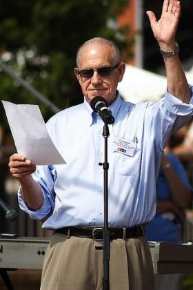 Carl Kasell at a WUNC event in 2007.