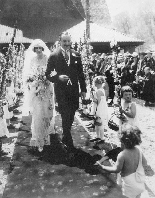 Cornelia Vanderbilt and John Cecil's wedding celebration in Biltmore Village was heralded by townspeople from Asheville.