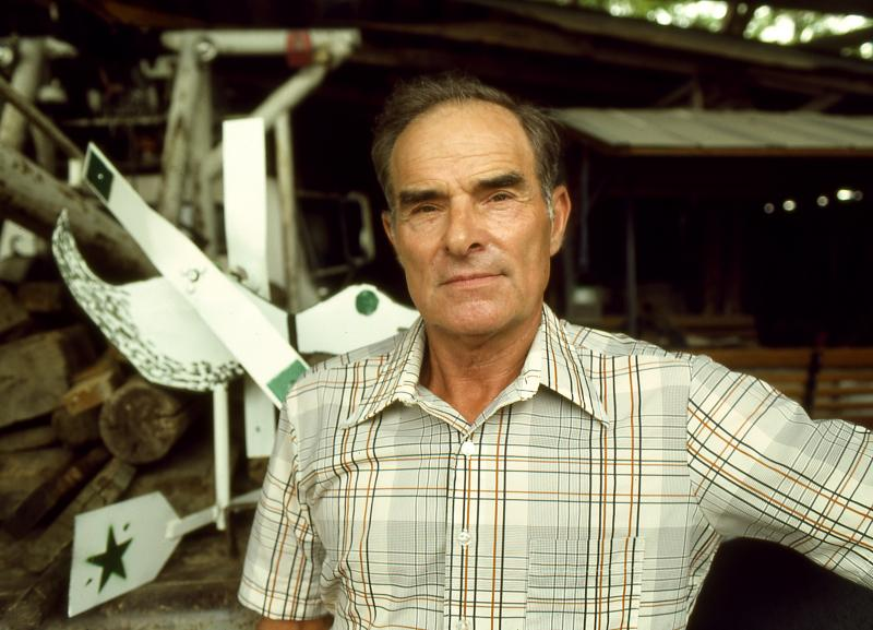 Vollis Simpson in front of his workshop, circa 1986.
