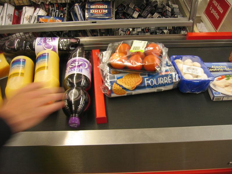 A supermarket in Durham is going to offer healthy snacks in the check out line.