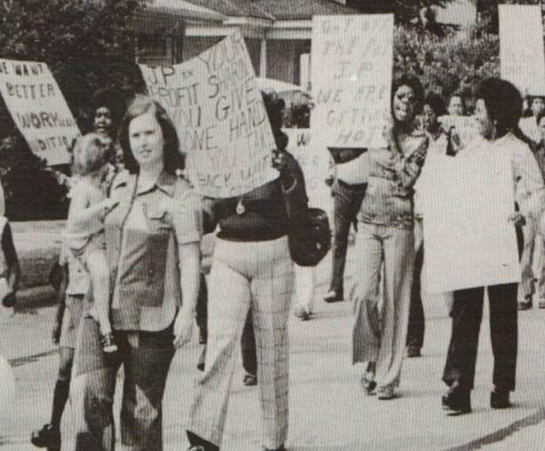 Black and White photograph of Workers Marching in Roanoke Rapids